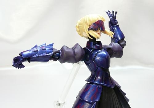 黒セイバー可動1.JPG
