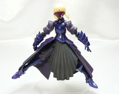 黒セイバー可動2.JPG